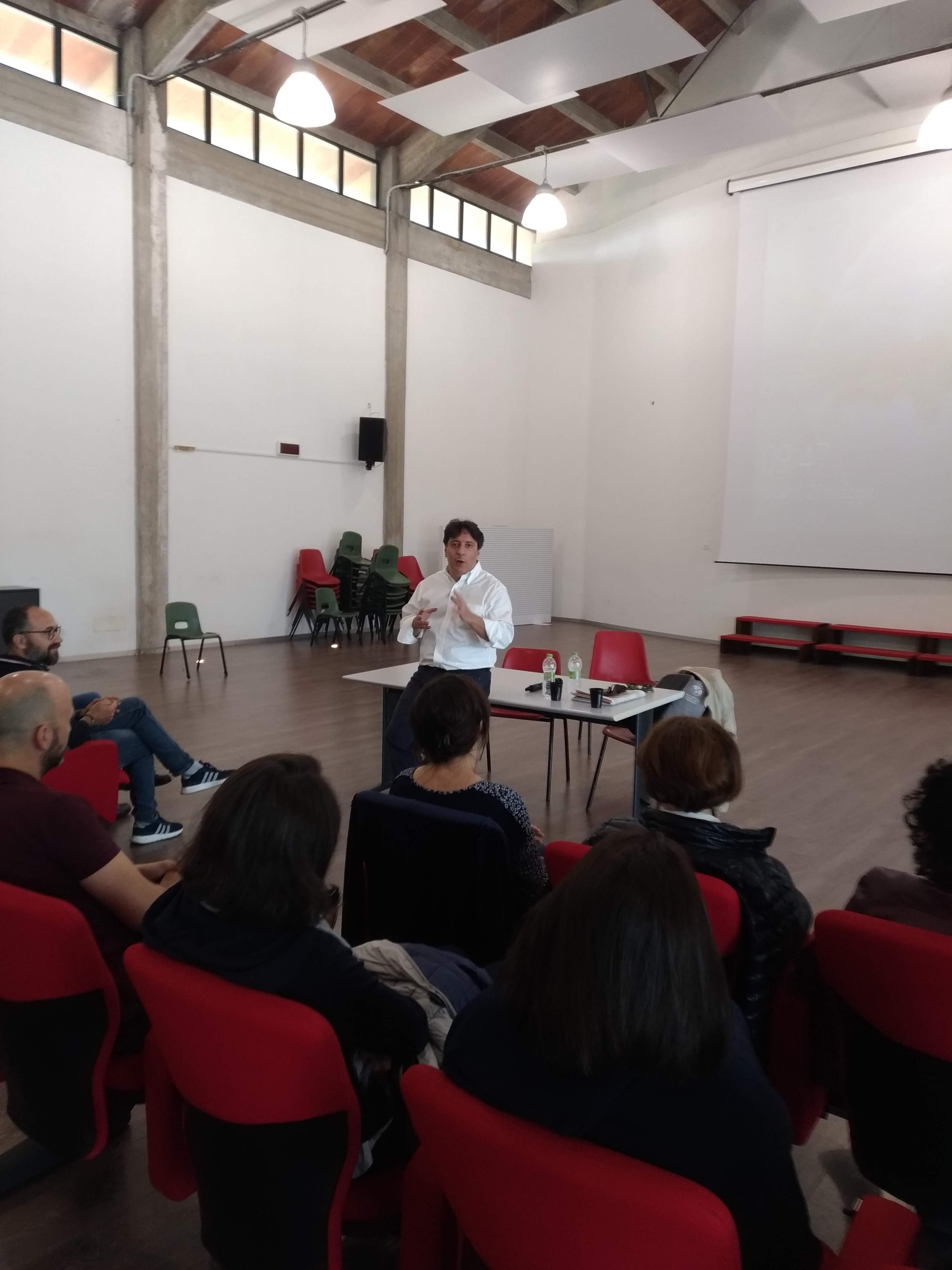 Superlativo il meeting tenuto dal prof Arturo Di Corinto ad Anguillara Sabazia